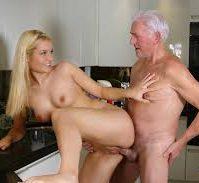 frække gamle damer slikke fisse kinesisk sex